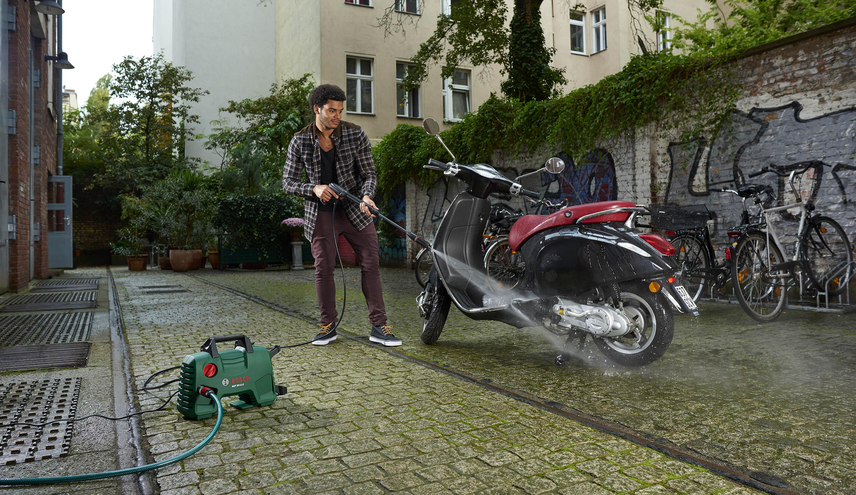 Bosch AQT33-11 application imagery - Berlin 2014